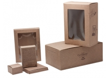Tailor made packaging in solid board - Flexibility, service and quality are our leitmotivs.